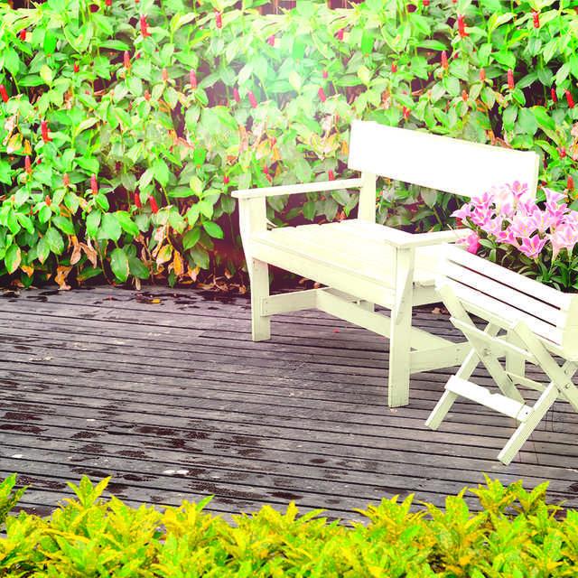 Lackieren: Gartenmöbel & Terrassenmöbel - Alpina Farben