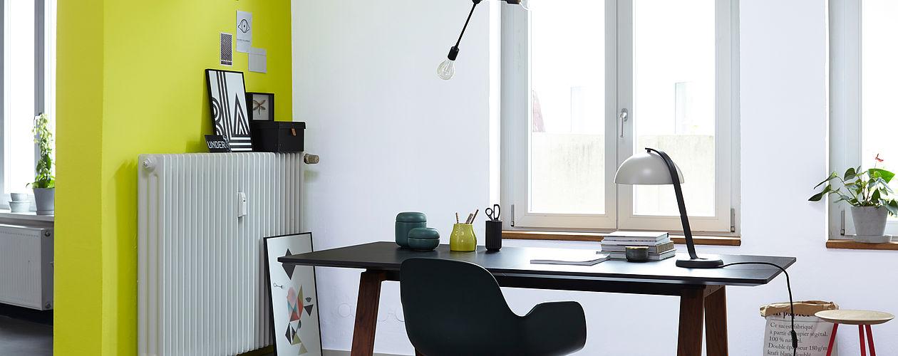 Westzimmer: Gelbtonige Nuancen greifen die Nachmittagssonne ideal auf und strahlen sie selbst an kühlen Morgen zurück.
