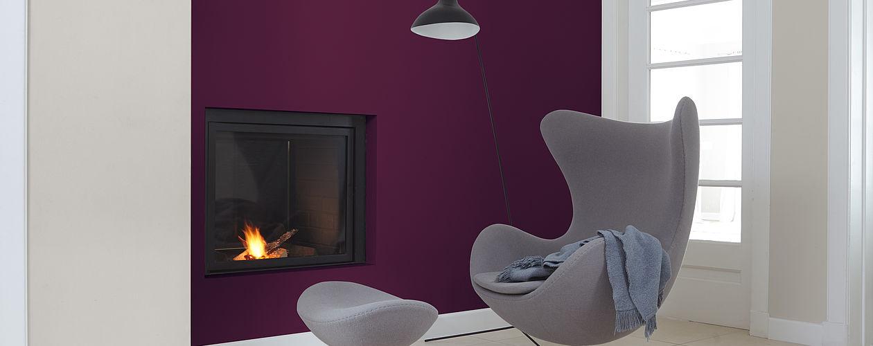 Grautöne unterstützen die nachdenkliche Wirkung von Violett.