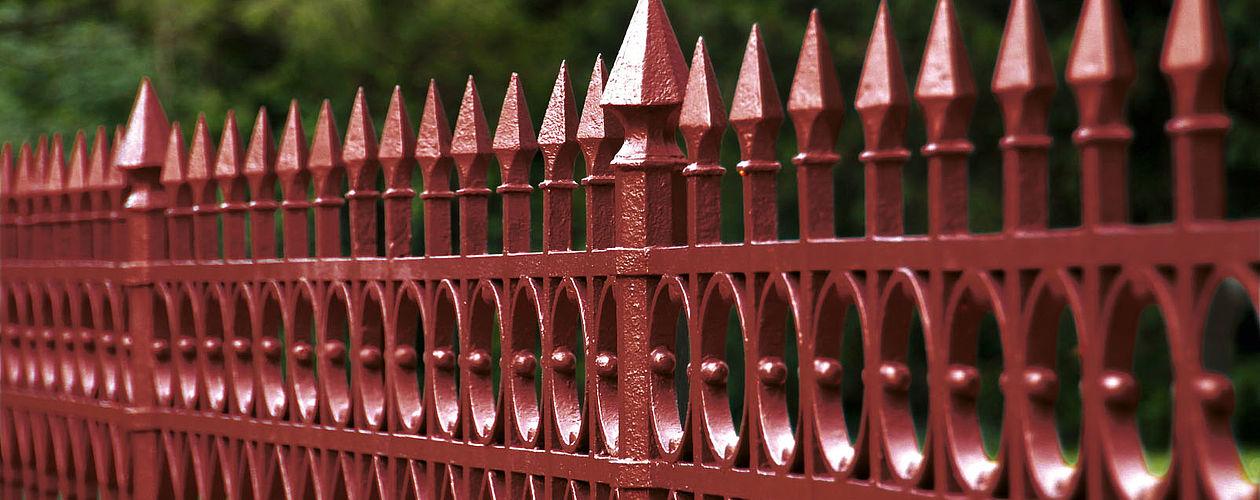 Ein vor Rost geschützter Zaun bereitet viele Jahre große Freude.