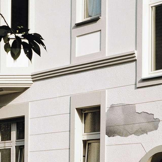 Tipps zum Streichen abblätternder Fassaden - Alpina Farben