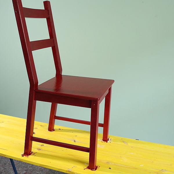 Step-by-Step zum roten Stuhl